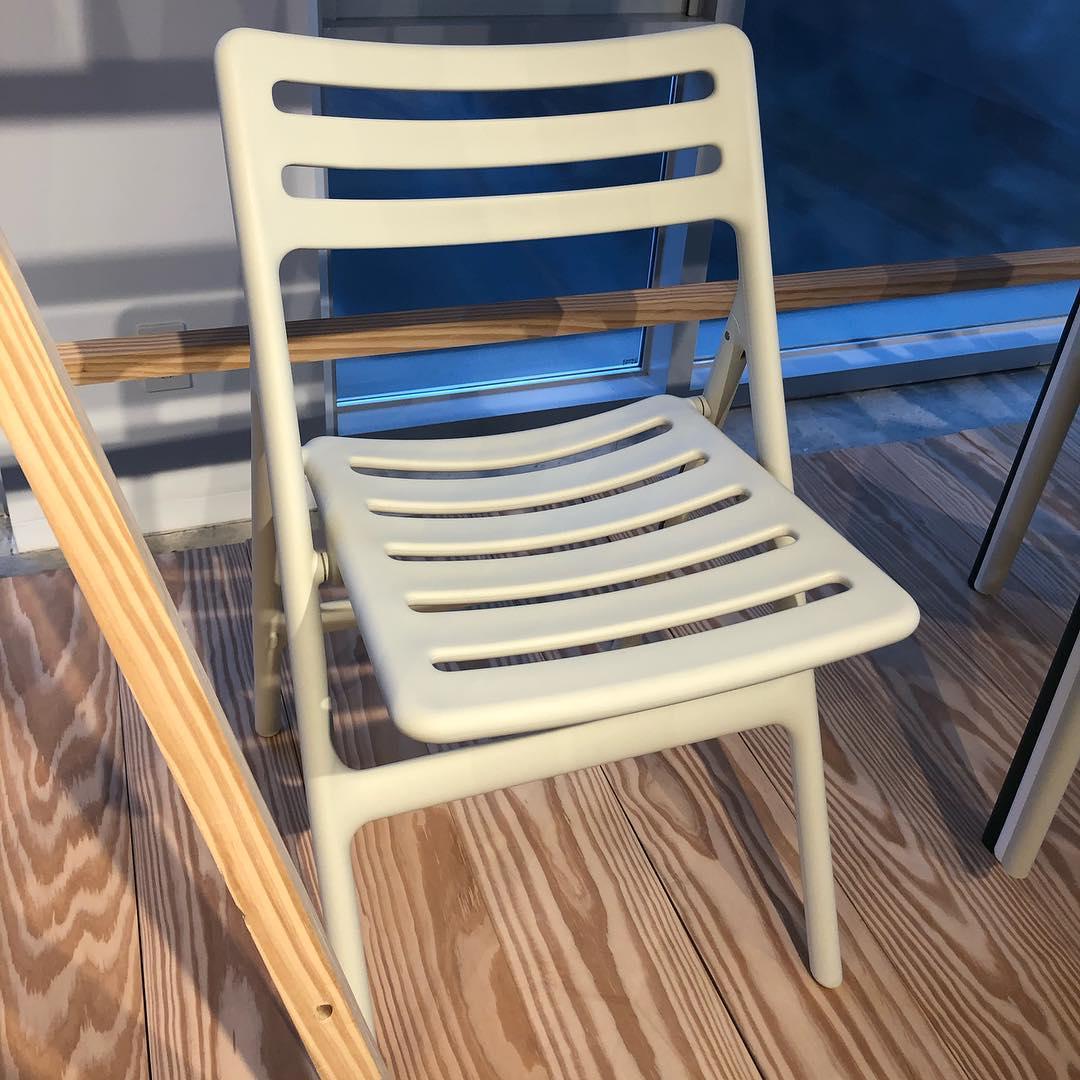 Folding Air chair 折叠扶手椅
