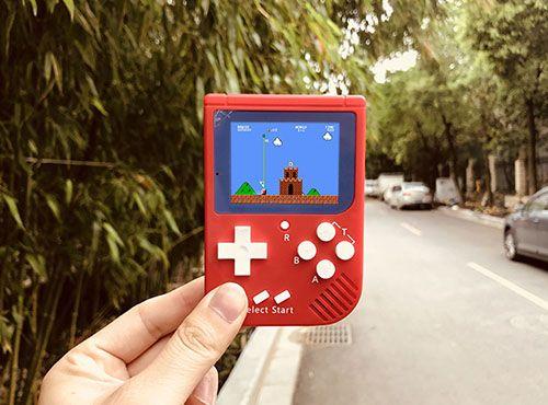 还记得小时候的红白机吗?如今被塞进了这手掌大小的游戏机里
