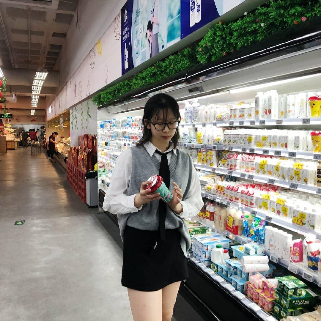 如何在大型超市里找到最快的结账队伍