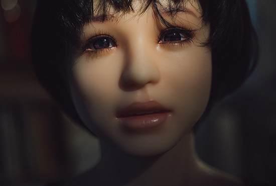 June Korea:拍摄充气娃娃展现人类的孤独与寂寞