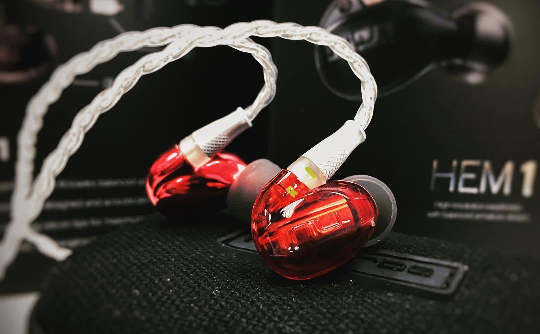 Nuforce HEM1 耳机