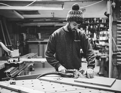 实木家具选购全指南 | 从木材、油漆、工艺到品牌,超详细的选购和定制家具通识读本