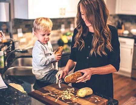 超详细的辅食添加指南 | 从宝宝辅食添加时间、顺序、原则到食材处理和食谱