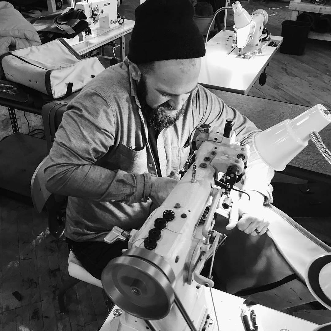 皮革缝纫机