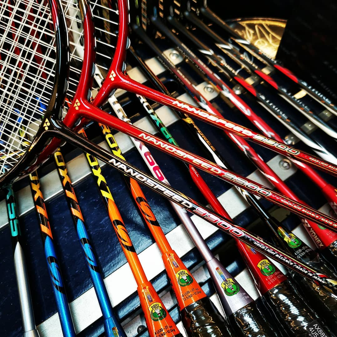 羽毛球拍重量规格