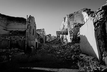 波黑内战余生录 | 讲述如何在一个没有电力、自来水、燃料等等的城市中生存一年
