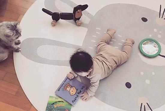 宝宝爬行垫选购指南 | 从材质、挑选要点,到什么牌子好