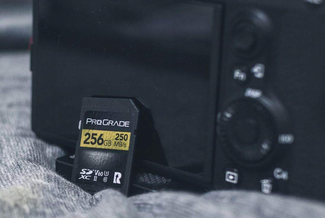 存储卡和相机